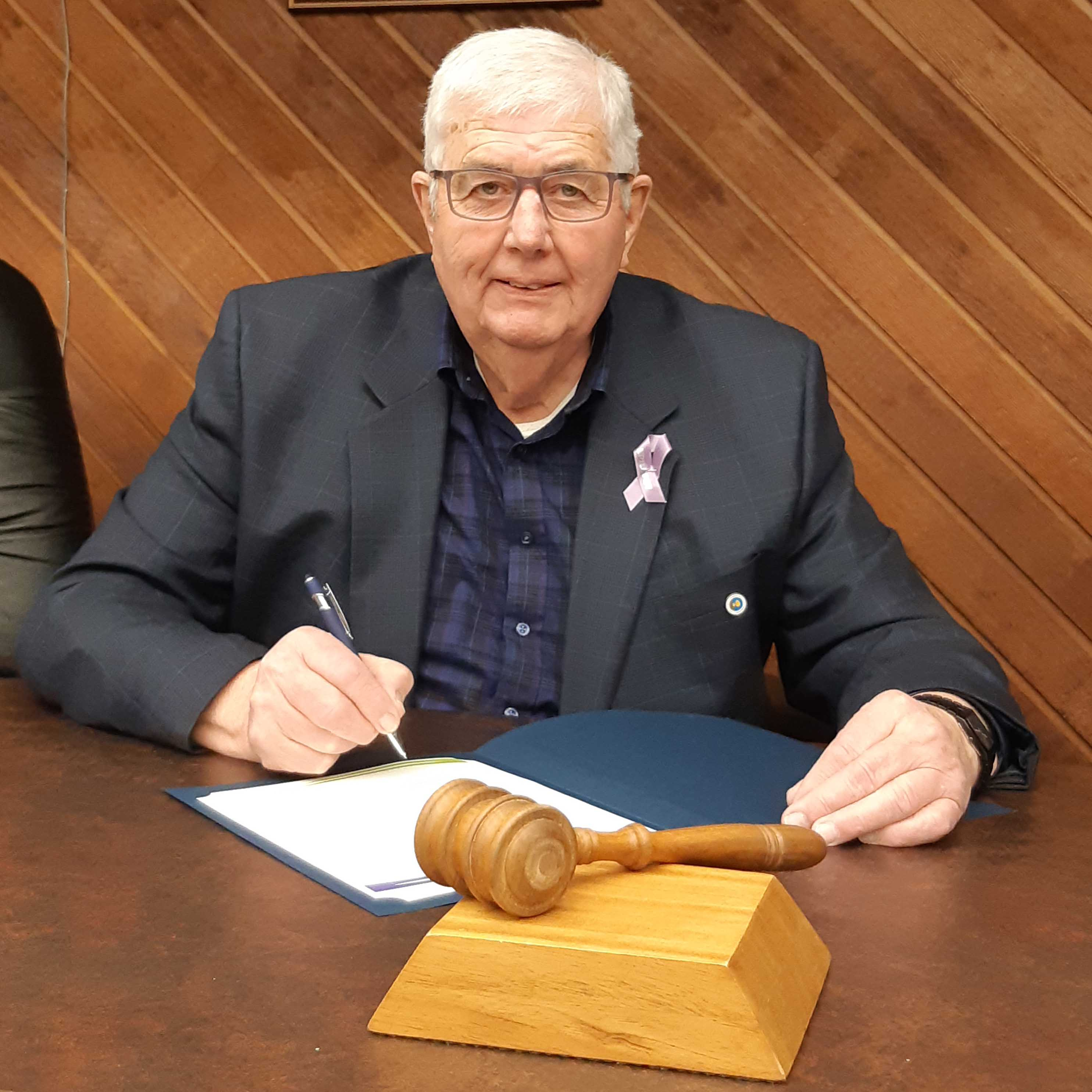 Warden Gillis Proclaims March 26 2019 as Purple Day in the Municipality of Cumberland document signing crop